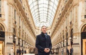 Howard Schultz Starbucks a Milano per l'annuncio